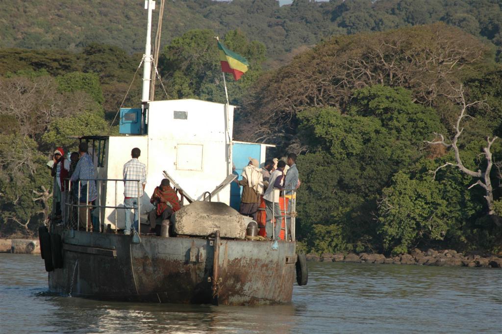 045._Public_boat_taxi.JPG