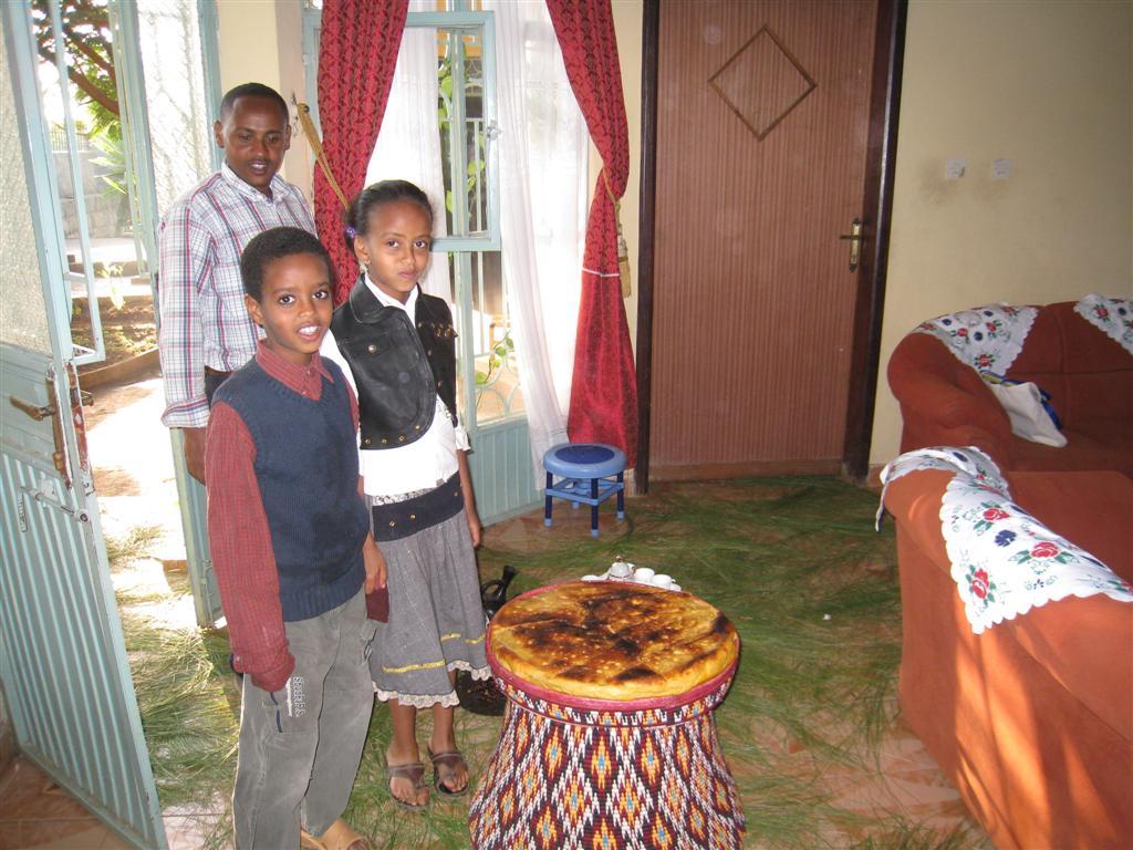 076._Alemayehu's_house.jpg