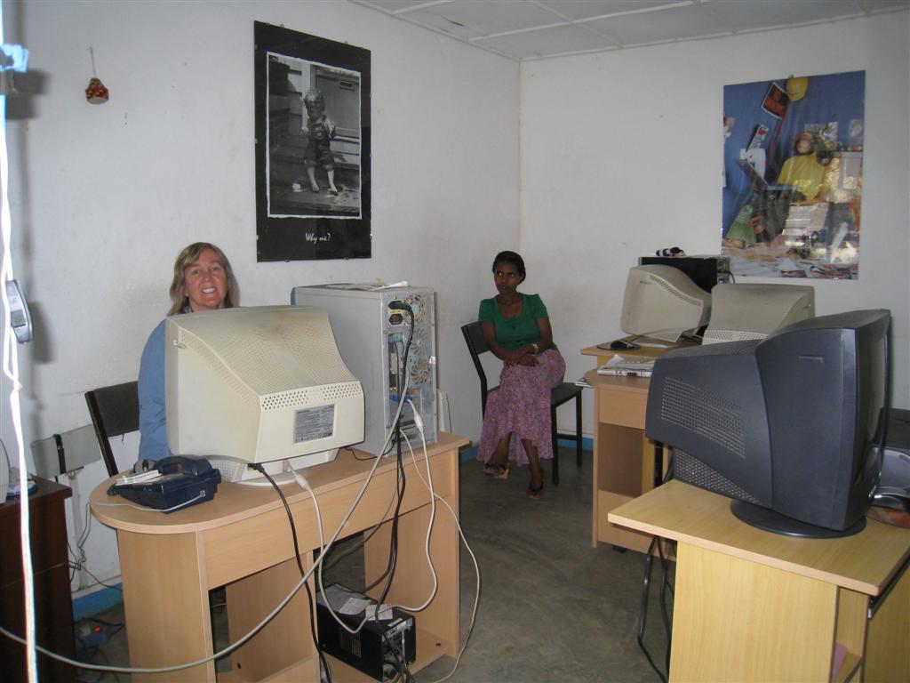 079._Internet_cafe.jpg
