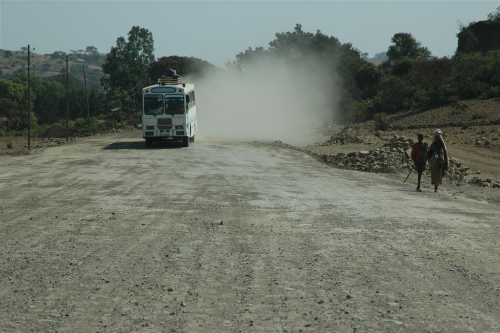 103._Dusty_road.JPG