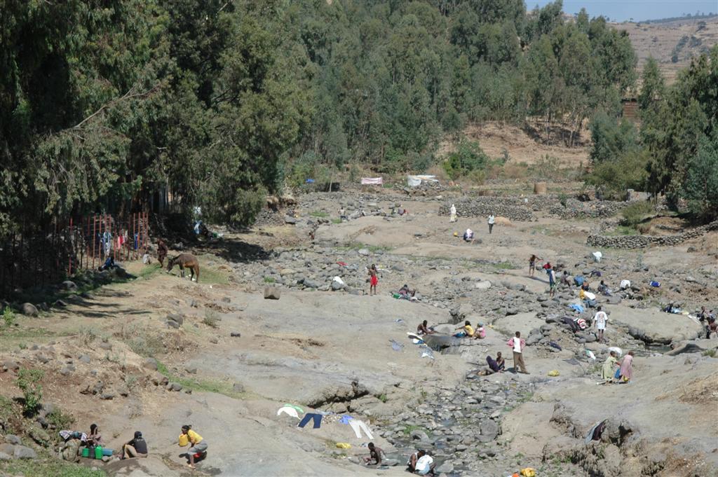179._Cleanup_in_the_Gondar_River.JPG