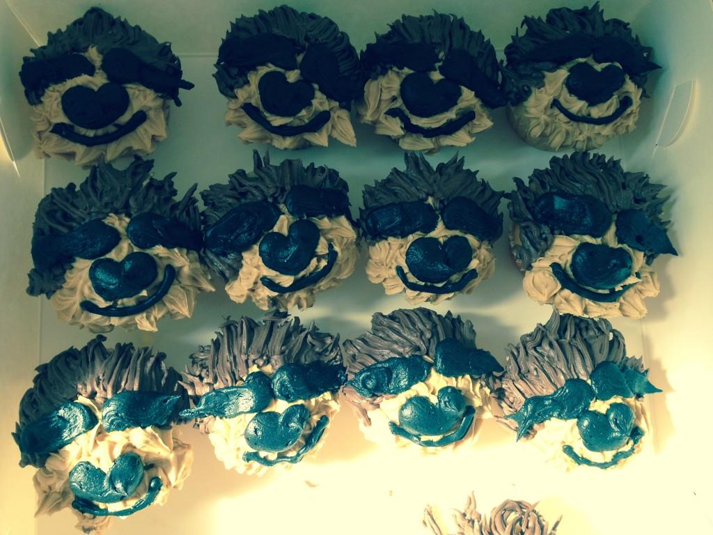 sloth birthday cupcakes